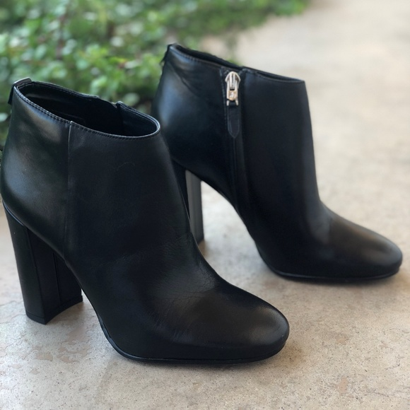 46616409aa9809 Sam Edelman Cambell Black Leather Ankle Booties. M 5b1d53bf34a4ef1cdd03a72f